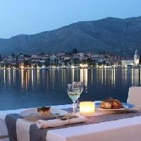 Dining, restaurants in Cavtat travel guide