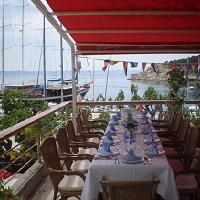 Dining, restaurants in Makarska travel guide