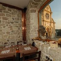 Dining, restaurants in Sibenik travel guide