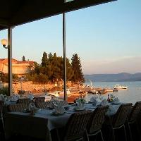 Dining, restaurants in Vodice travel guide